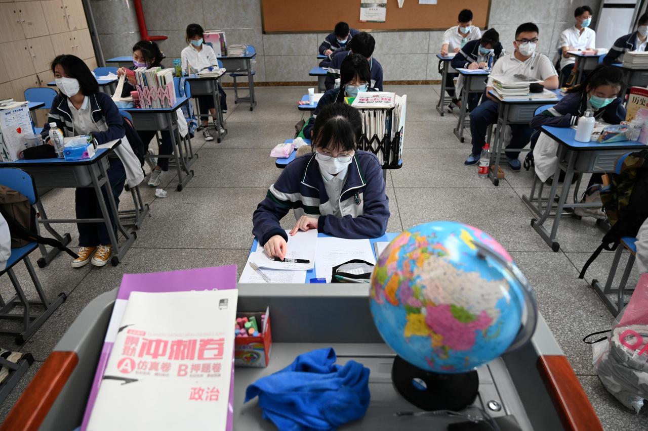 Nearly 1.4 million Children in Wuhan China return to school - Tatahfonewsarena
