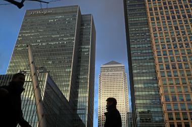 焦点:美国向中国企业挥舞制裁大棒 跨国银行争相管控风险求自保