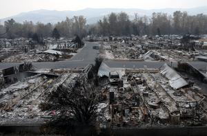 Fires leave apocalyptic scenes in Oregon
