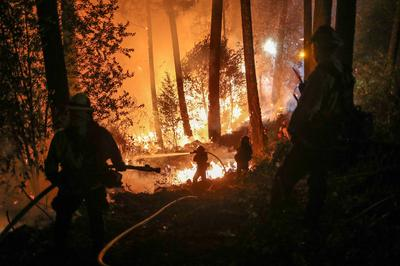 Wildfires rampage through California wine country