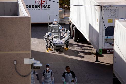 Inmates move bodies as coronavirus deaths overwhelm El Paso