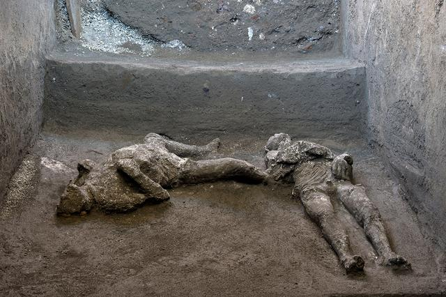 Remains of two men who died in the volcanic eruption that destroyed the ancient Roman city of Pompeii in 79 AD are discovered in a dig carried out during the coronavirus disease (COVID-19) pandemic in Pompeii, Italy November 18, 2020. Luigi Spina/Handout via REUTERS