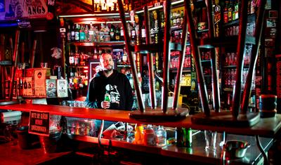Party on pause as COVID shutters Berlin's bars
