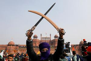 Indian farmers battle police on Republic Day