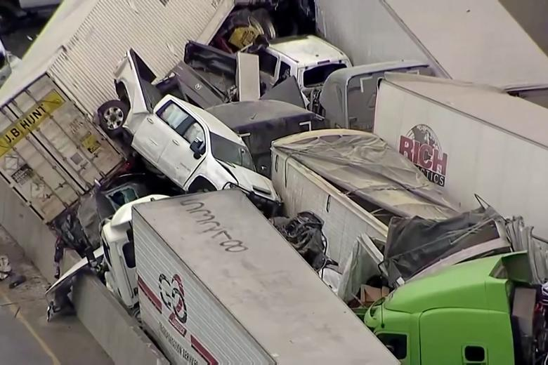 130-vehicle pile up on icy Texas highway leaves several dead | Reuters.com