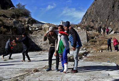 Hundreds still missing after Himalayan glacier bursts