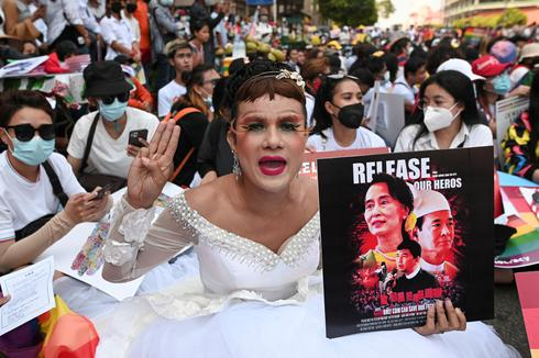 Masses continue protests against military coup in Myanmar