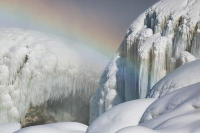 Ice and rainbows as Niagara Falls freezes