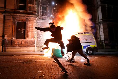 Violent protest over proposed UK policing bill in Bristol, England