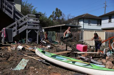 Australians assess damage after worst flooding in 60 years