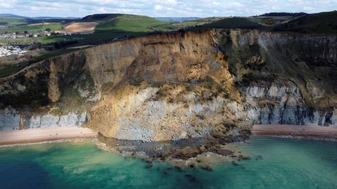 Massive landslide alters Britain's Jurassic Coast