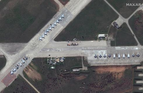 Satellite images show Russian military buildup along Ukraine border