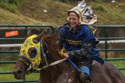 Indigenous tribes revive horse heritage with bareback races in Oklahoma