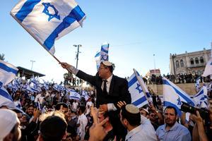 Israeli nationalists march in East Jerusalem under heavy police presence
