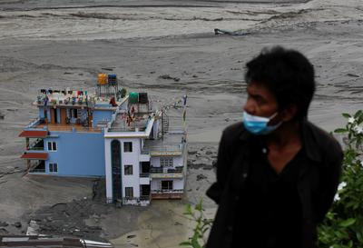 People missing after flash floods hit Nepal