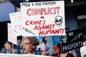 Anti-vaxxers protest Foo Fighters show in New York City