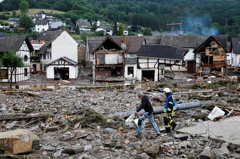 Dozens die in floods in western Europe
