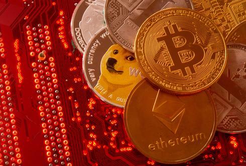 ビットコインが1カ月ぶり安値から戻す、3万ドル回復