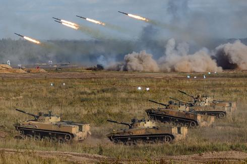 Russia and Belarus hold war games