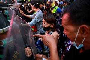 Protesters clash with Thai police during anti-government rally