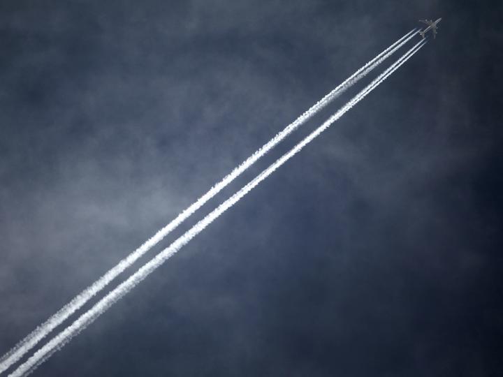 アングル:気候変動対策で企業が出張削減、対応迫られる航空業界